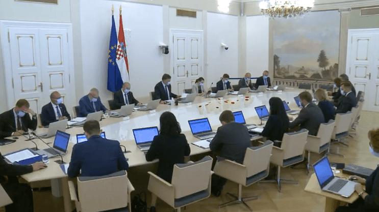 Vlada donijela novu odluku o načinu izvođenja nastave: Ministar otkrio u kojem će slučaju nastava za sve biti online