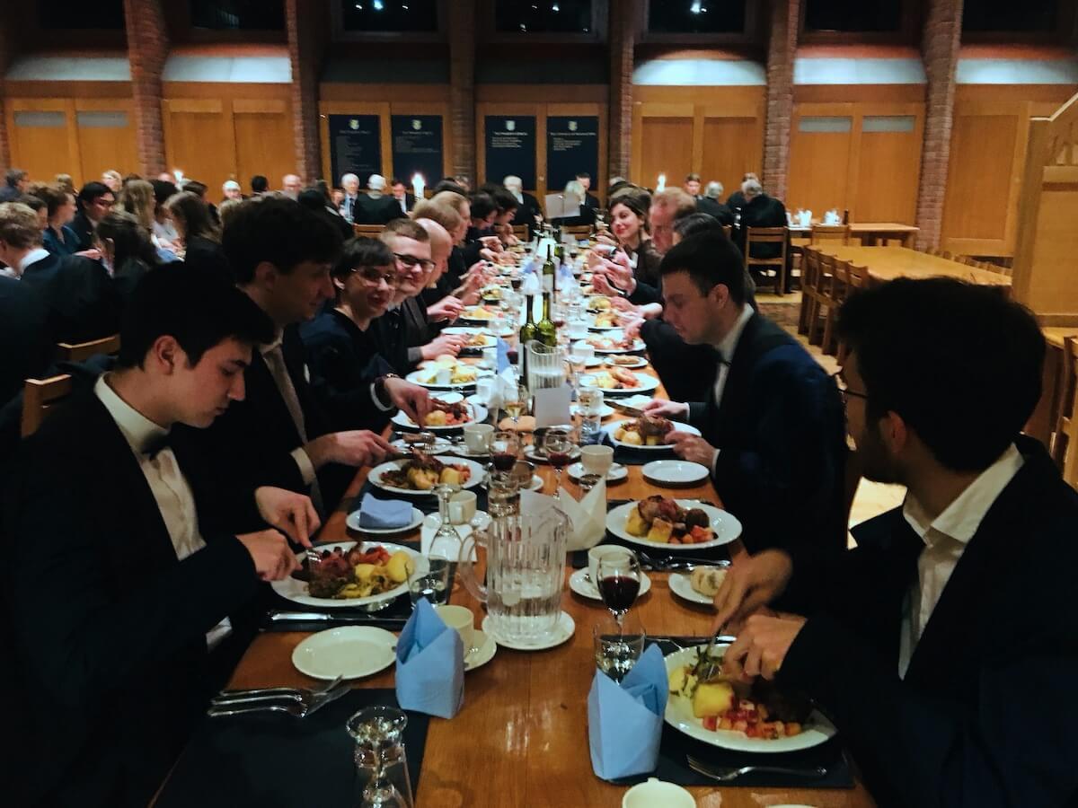 Znate li da na Cambridgeu postoji Hrvatsko društvo? Rade na tome da naši studenti i dalje imaju stipendije