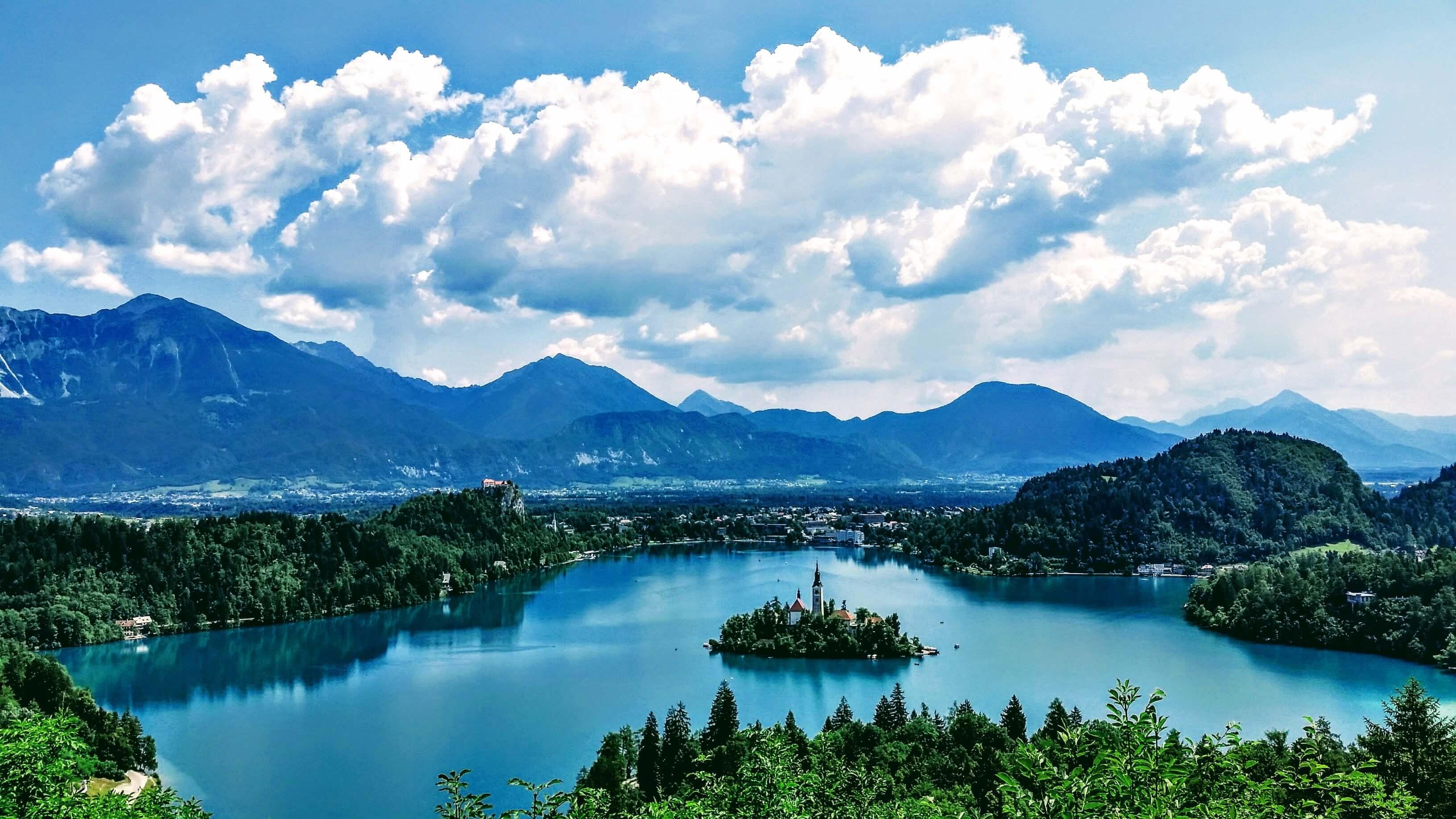 Slovenija prelazi na online nastavu: Ipak, neki će i dalje u školu