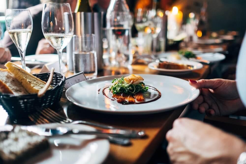 Nakon što su odbili influencericu, porečki restoran surađivao s TikTokerom: Novac donirali dječjem domu