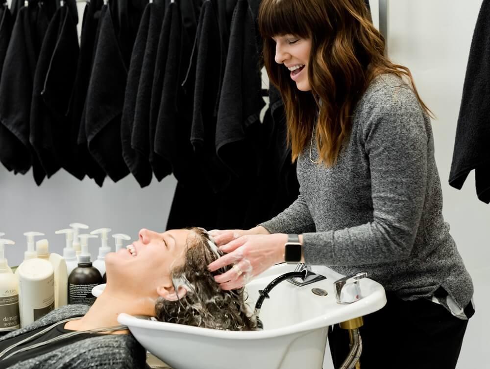 Koji trend vam se najviše sviđa? Ove frizure bit će vrlo popularne u 2021. godini