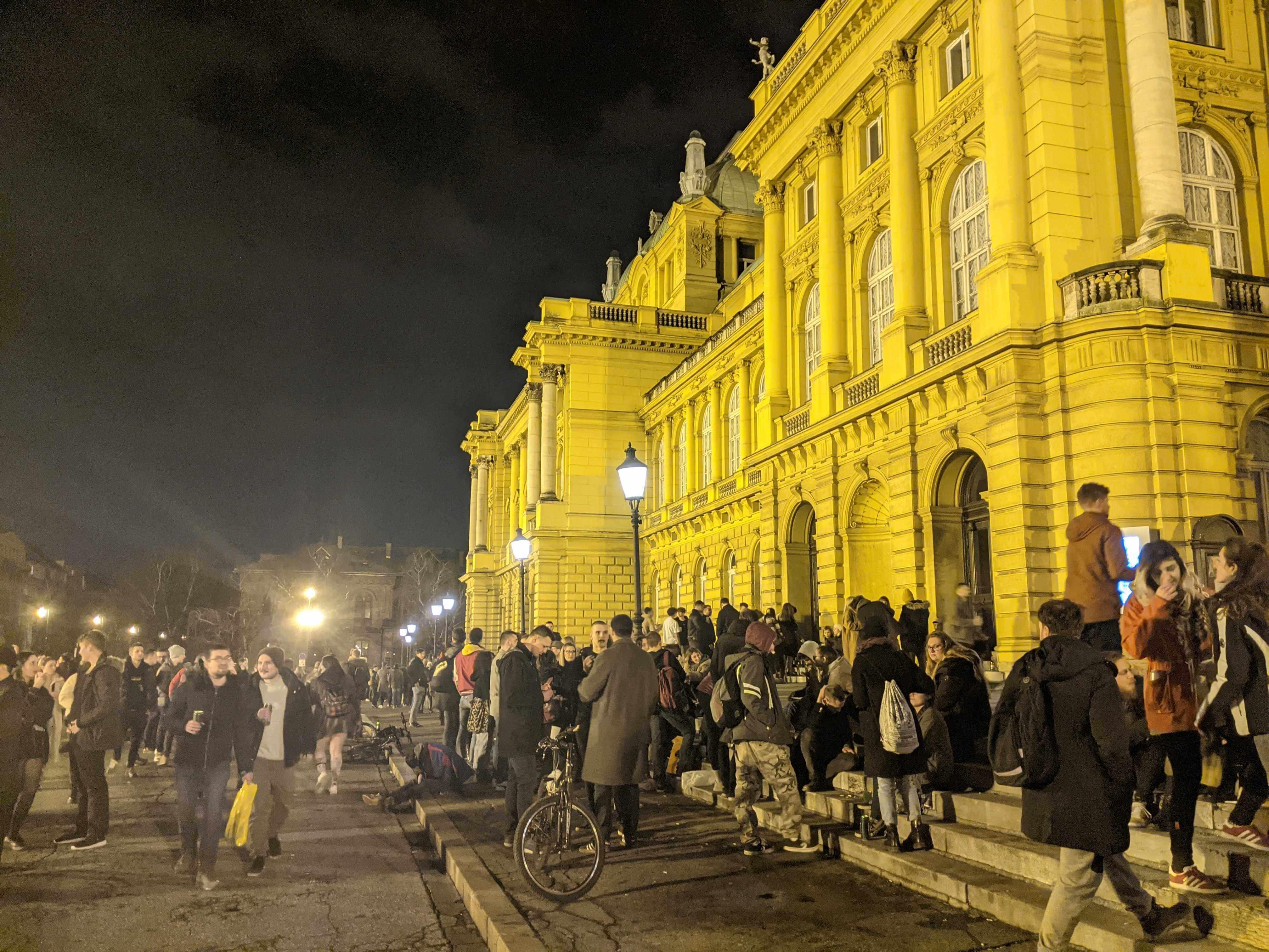 HNK je opet postao okupljalište mladih: Sinoć je ondje bilo veselo