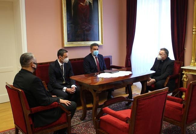 Ministar se zbog medicine na Katoličkom sveučilištu sastaje i s Bozanićem, a detalja o studiju – nigdje