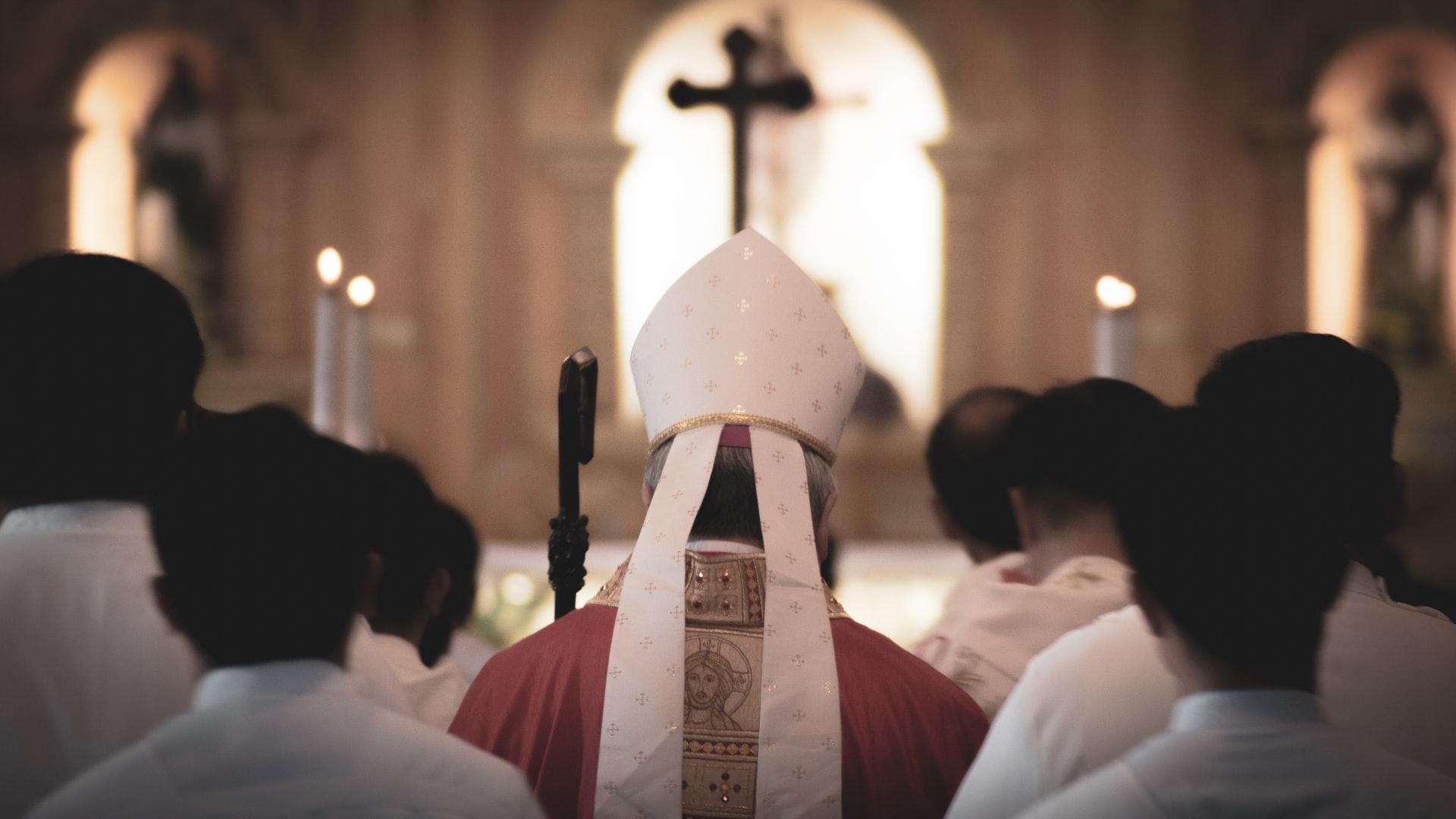 Nekoliko biskupija odgodilo prve pričesti i krizme: Razumijemo poteškoće