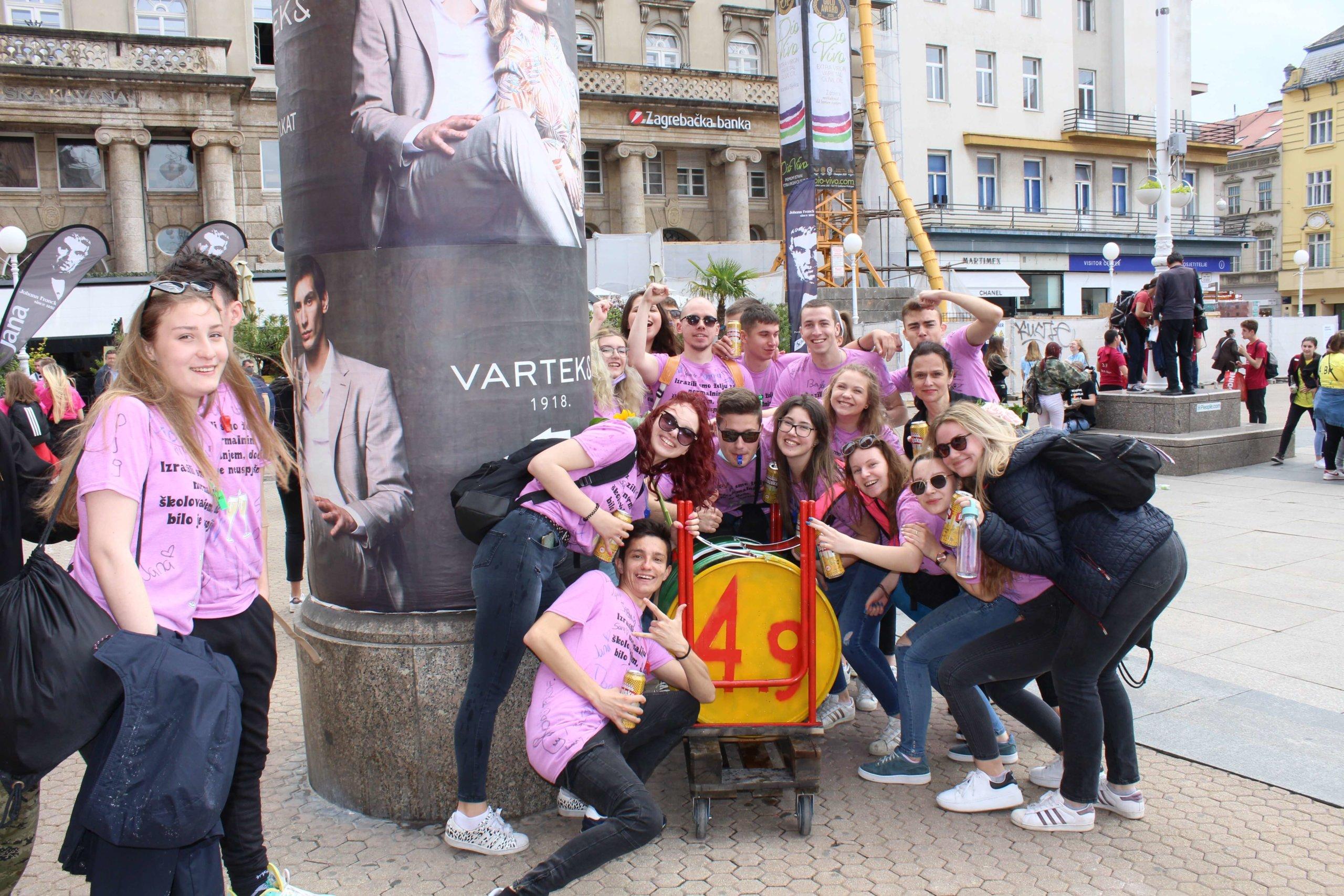 Zagrebački maturanti na norijadu došli s neobičnom napravom: Pitali smo ih čemu služi