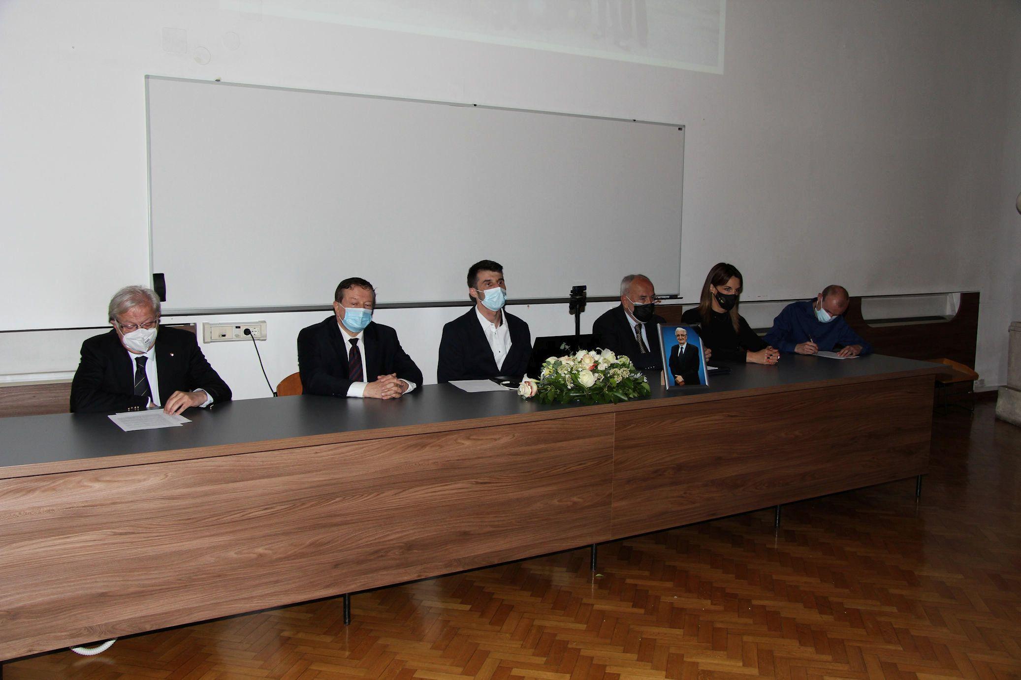 Na Filozofskom održana komemoracija za profesora Miroslava Tuđmana: 'Ostavio nam je važno nasljeđe'