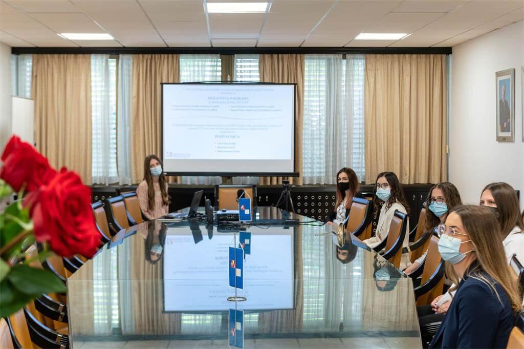 Dobili nagradu dekana: Ovo su imena studenata s najboljim ocjenama na Medicinskom fakultetu u Splitu