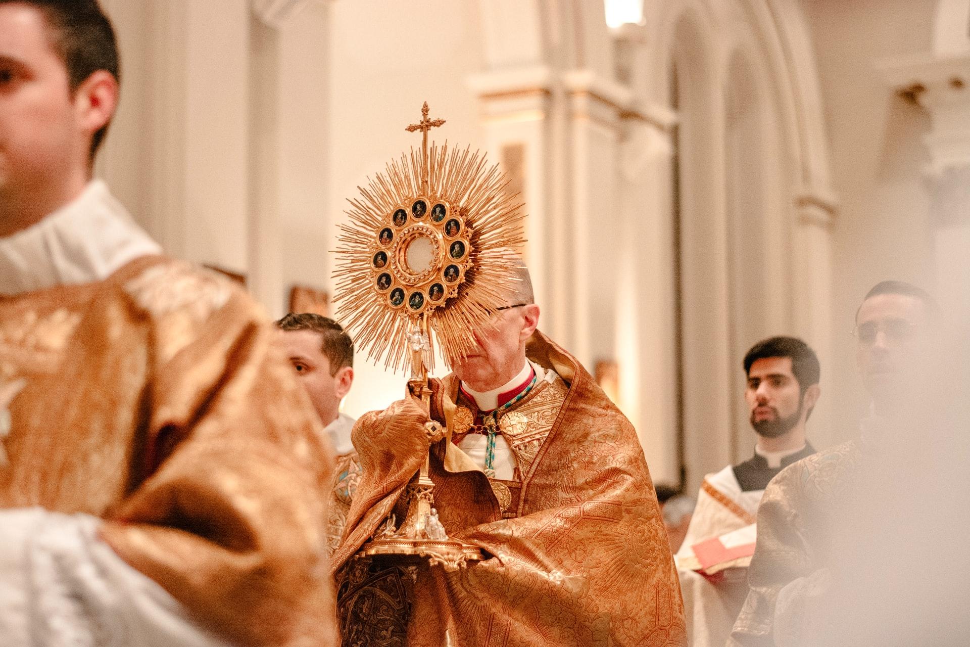 [Zadatak dana] Katolici danas slave Tijelovo, znate li zašto se krenulo s obilježavanjem ovoga blagdana?