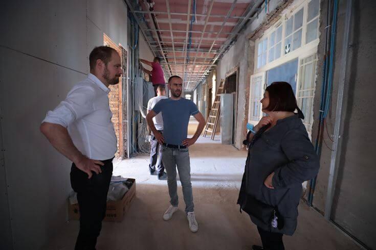 Pogledajte kako 'napreduje' obnova osnovnih škola u Zagrebu: Obišao ih zamjenik gradonačelnika