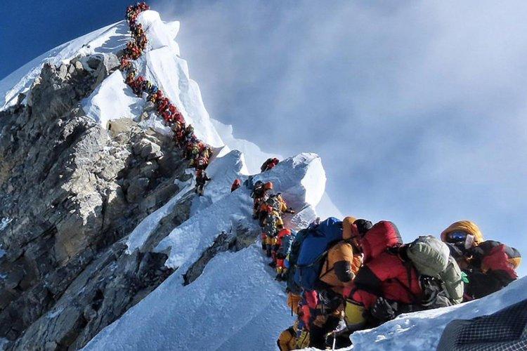 EverestTrafficJam