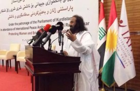 Sri Sri ventures into conflict zone to pitch for peace in Iraq