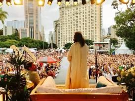 शांती प्रस्थापित करण्यासाठी लॅटिन अमेरिका श्री श्रींकडे आशेने पाहत आहे | Latin America Looks To Sri Sri For Peace