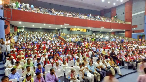 Sri-Sri-Ravi-Shankar-Strength-in-Diversity-North-East-conference-audience-l