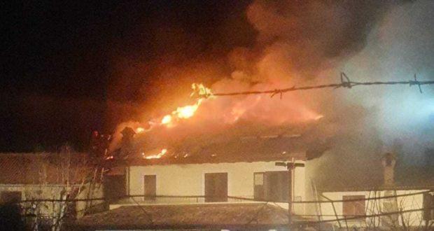 Avola, casa a fuoco: due poliziotti salvano tre inquilini - SRlive.it