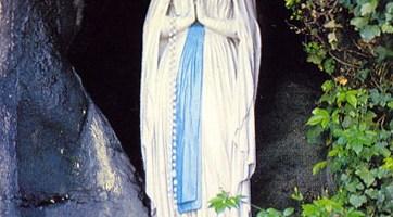lourdes Madonna grotta massabielle