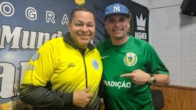 """Programa No Mundo do Samba"" recebe Darlan Alves e Léo do Cavaco. Foto: Rádio Trianon"