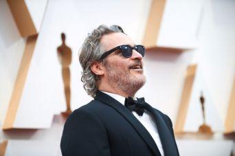 Joaquin Phoenix no tapete vermelho (Foto: Divulgação – Crédito: Robert Gladden / ©A.M.P.A.S.).