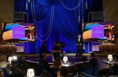 Joaquin Phoenix apresenta o Oscar de melhor ator (Foto: Divulgação – Crédito: Todd Wawrychuk / ©A.M.P.A.S.).