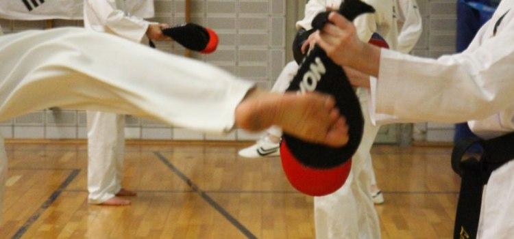 Training der Fußtechnik: Taekwondo Kerpen beim SSK