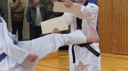 Taekwondo Kerpen: Bruchtest bei Kup-Prüfung des SSK-Taekwondo-Teams