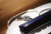 USB端子からテレビアンテナをつなぎます