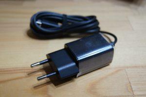 日本では使えないAC充電器