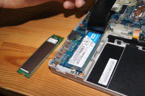 無事SSDの差し替え完了