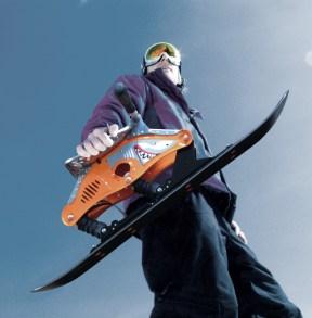 bild-mann-mit-ski-bockerl-hai-tech