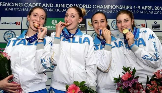 Tashkent 8 aprile 2015 - Mondiali a squadre  sciabola femminile -  La medaglia più preziosa per Chiara Mormile, Sofia Ciaraglia, Rebecca Gargano e Eloisa Passaro (foto Bizzi per Federscherma)
