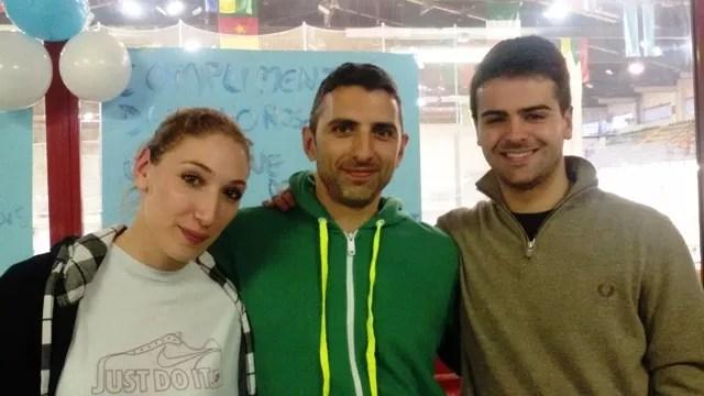 Alessio Passerini con Sofia Ciaraglia e Damiano Rosatelli, durante i festeggiamenti per le medaglie conquistate al Campionato del Mondo Under 20