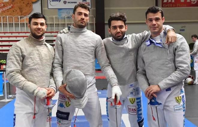Padova febbraio 2017 Coppa Europa Enrico Berrè con la squadra delle Fiamme Gialle (foto Bizzi per Federscherma)
