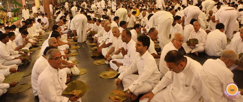 Glorious culmination to Akhanda Bhajan