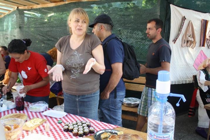 Мира Иванова от БДЗП е координатор по проекта з Западен Балкан и посвети голяма част от живота си да помага на местните фермери да продават хранат си на фермерски пазари