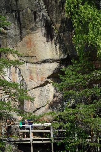 Astuvansalmen kalliomaalauksilla - Rockpaintings of Astuvansalmi