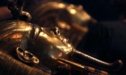 عودة تمثال اخت توت عنخ امون المسروق