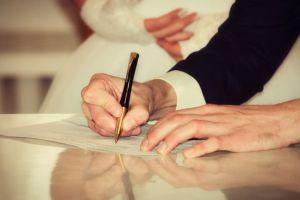 """فيديو..المتحدث باسم وزارة العدل: يكشف صحة خبر """"زيادة رسوم الزواج"""" فى 2017"""