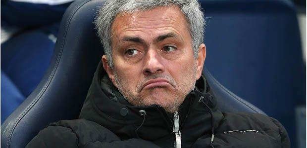 جوزيه مورينيو : مانشستر يونايتد بطل القرارات التحكيمية السيئة لبطولة البريمرليغ