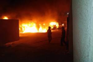 مسلحون يضرمون النار في جراج «كيرسيرفس» للنظافة في العريش
