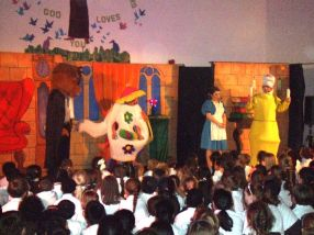 Panto 2015 - Beauty and the Beast[6]