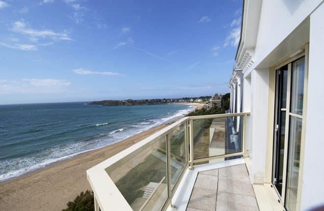 Un balcon de la reine-marine vue mer