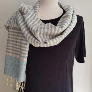 blauw lichtbeige sjaal