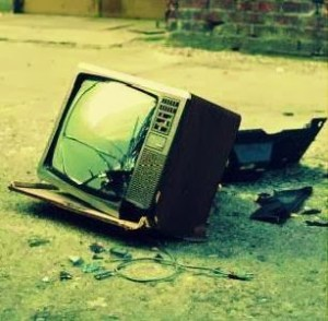 Money Saving Tip # 2 : Turn Off Your Television!!