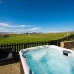 Self-catering cottage in Northumberland, Goosander cottage hot tub