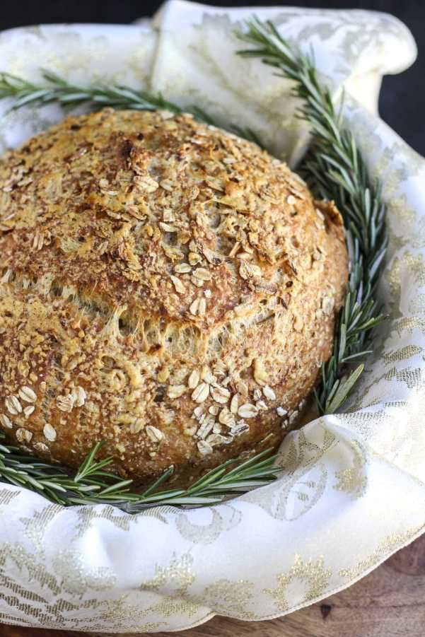 no-knead parmesan rosemary garlic bread_1