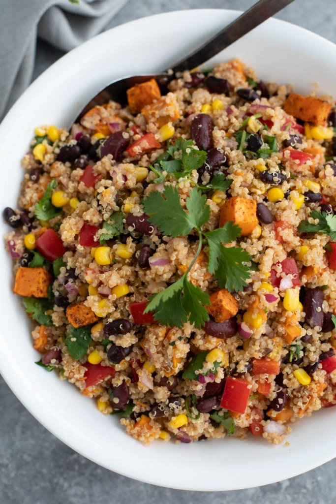 southwestern quinoa sald with avocado chipotle dressing