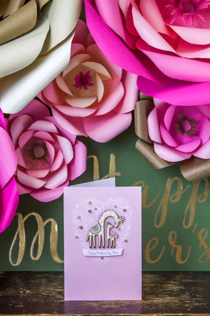 I'm sharing how to make large paper flowers with an ombre twist + Instructions to make a Mother's Day sign with them!