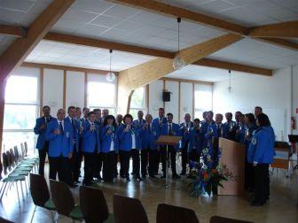 Die Musiker posieren für das offizielle Jubiläums-Foto