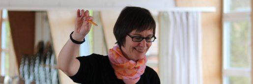 Dirigentin Kerstin Assmann-Schulz bei der Arbeit
