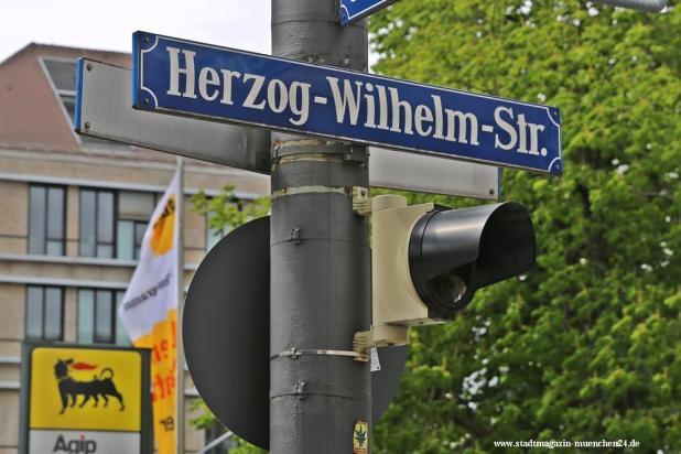Straßenschild Herzog-Wilhelm-Straße München