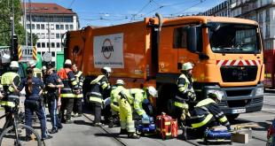 AWM Müll-Lastwagen überrollt Radler am Sendlinger Torplatz